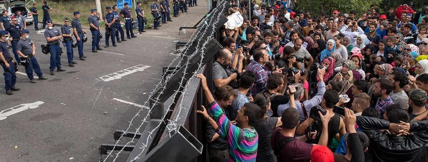 migrants-refugees-hungary-border-horgos
